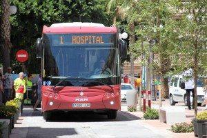 L'autobús municipal ha estrenat el nou vial