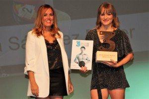 Alba Sánchez amb la regidora d'Esports