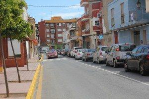 Cua de vehicles en Favara per accedir a la N-332