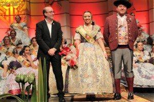 Lourdes burgos presenta alcalde i Jaume