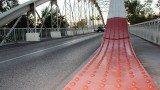 Pont de Ferro color roig