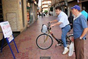 Expectació en el carrer Calderón de la Barca